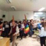 Condenados a tres meses de cárcel dos de los jóvenes que participaron en la protesta contra un profesor homófobo de la Universidad de Santiago