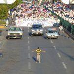 El autor de la foto del niño haciendo frente a la manifestación homófoba en México, amenazado por teléfono y en redes sociales