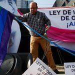 Las personas trans casadas de Chile se verán obligadas a disolver su matrimonio para poder acceder a la modificación registral de su nombre y sexo legal