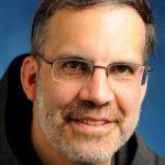 Un obispo preside la oración en un encuentro de católicos LGTB en Estados Unidos