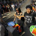 Más de 1000 activistas desafían la prohibición del Orgullo LGTB de Estambul y la policía les lanza gas lacrimógeno y pelotas de goma para dispersarlos