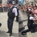 Dos agentes de Scotland Yard piden la mano a sus novios en pleno Orgullo LGTB de Londres