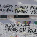 Vandalismo LGTBfobo en Torredolones con amenazas de muerte y lemas inspirados en la campaña de odio de HazteOír