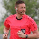 Ryan Atkin, primer árbitro de fútbol profesional abiertamente gay en Reino Unido