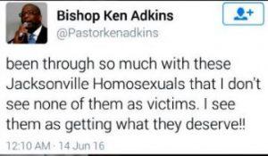 tuit homófobo Kenneth Adkins